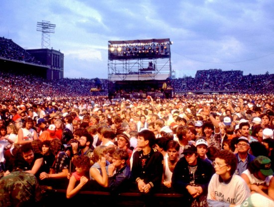 Farm Aid 1985 crowd shot