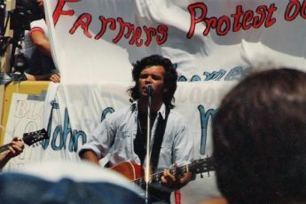 A look back: John Mellencamp rallies with Missouri farmers